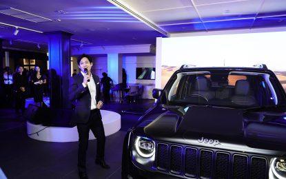 อลังการ Benz Auto Service รีแบรนด์สู่ B Autohaus  คว้า ตู่ ภพธร เป็นพรีเซนเตอร์คนแรกของวงการ เผยโฉม Jeep Renegade พรีเมียมคาร์รุ่นพิเศษครั้งแรกในไทย พร้อมบริการครบวงจรที่ดีไซน์มาเพื่อคนรุ่นใหม่โดยเฉพาะ