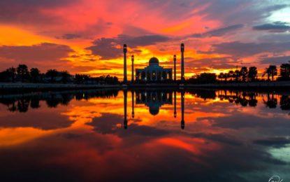 """มัสยิดกลางประจำจังหวัดสงขลา""""ทัชมาฮาลเมืองไทย ศูนย์รวมจิตใจของชาวมุสลิมในจังหวัดสงขลา"""