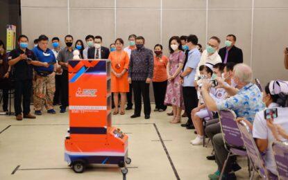 โรงพยาบาลสิรินธรจังหวัดขอนแก่น รับมอบหุ่นยนต์ปฏิบัติการ ภารกิจพิชิต covid-19 ครั้งแรกของจังหวัดขอนแก่น