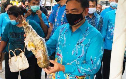 Phuket Tastival Seafood & Gastronomy                                พิเชษฐ์  ฯ  รองผู้ว่าราชการจังหวัดภูเก็ต  ร่วมเป็นส่วนหนึ่งในการสร้างความเชื่อมั่นและประชาสัมพันธ์การท่องเที่ยวจังหวัด ภูเก็ต