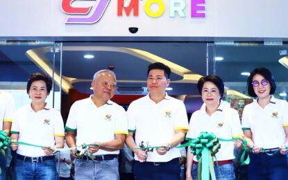 """ซี.เจ. เอ็กซ์เพรส สร้างปรากฏการณ์ธุรกิจค้าปลีกเมืองไทย  เปิดตัวค้าปลีกโมเดลใหม่ """"CJ MORE"""" ศูนย์การค้าขนาดเล็กในชุมชน  ปักธงแฟลกชิพสโตร์ใจกลางสีลม ผนึก 5 แบรนด์ตอบโจทย์ทุกไลฟ์สไตล์คนเมือง"""