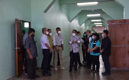 เทศบาลเมืองระนองเปิดศูนย์แยกกักตัวในชุมชน/CI รองรับผู้ป่วยโควิด-19 สีเขียว 200 เตียง