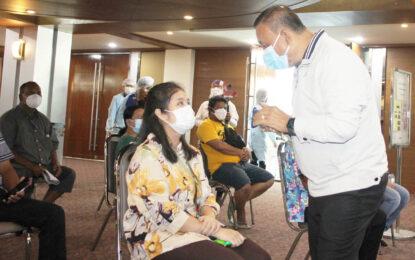 #เรวัตฯนายก อบจ.ภูเก็ต ดูแลประชาชนให้บริการฉีดวัคซีน เข็ม 3 ณ โรงแรมภูเก็ตเมอร์ลิน