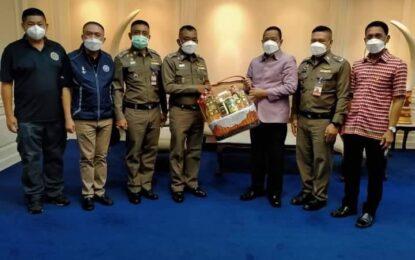 ผู้บัญชาการตำรวจภูธภาค 9 และคณะ แสดงความยินดีกับผู้ว่าราชการจังหวัดสงขลา